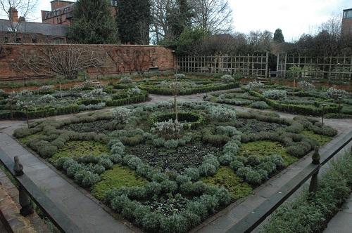 Shakes House - Garden 2
